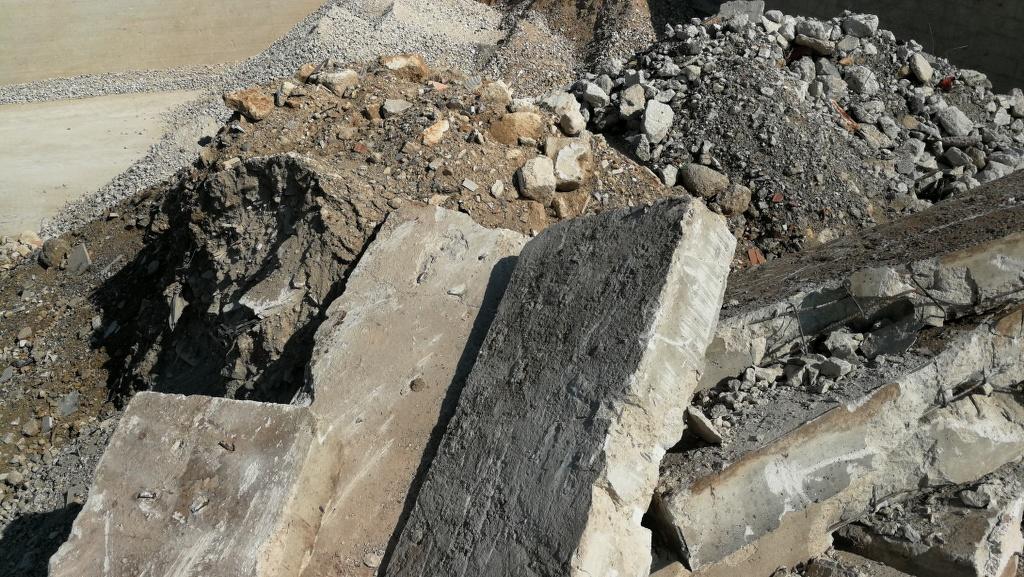 Smaltimento rifiuti per piccoli cantieri e/o demolizioni